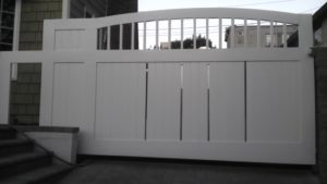 D004 - Homeowner - Wood Sliding Gate With Vinyl 01